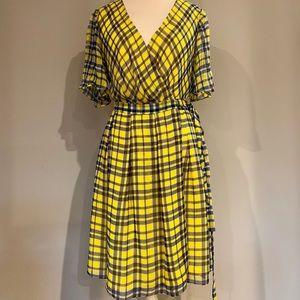 Diane Von Furstenberg Wrap Silk Dress. Size 10.